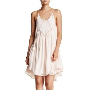 Romeo & Juliet Couture White Mini Dress